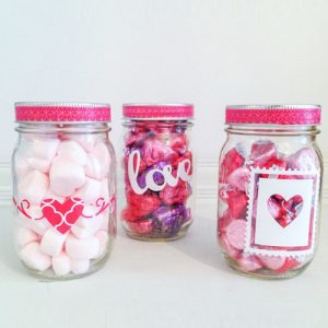 valentines-day-mini-mason-jar-gift
